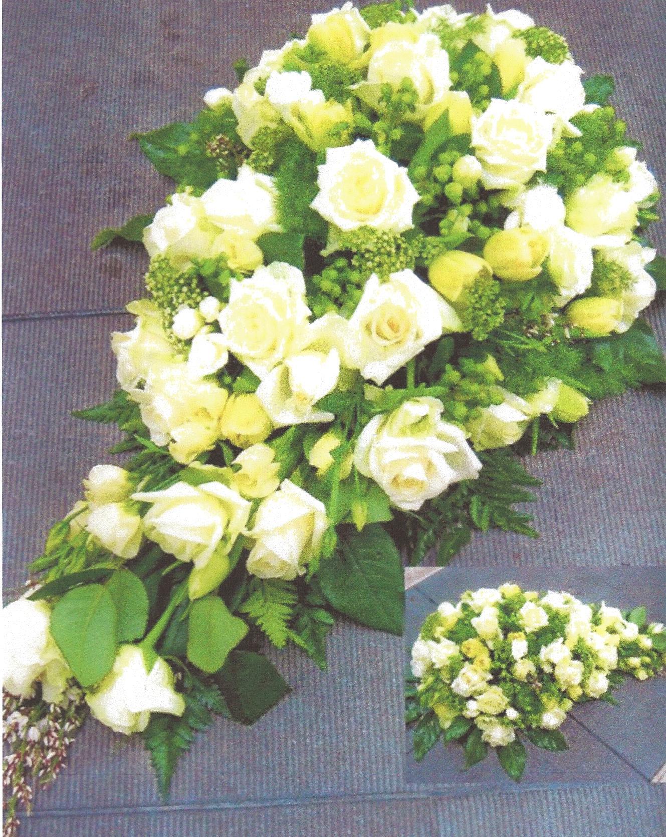 NR 16 romantische druppelvorm met rozen 130 euro
